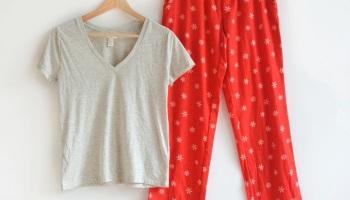 Womens Pajama Sets Women Brand Pajamas Red Snowflake Cotton Pyajamas Women  Sleepwears Tops+Pants Homewears 748b6962b