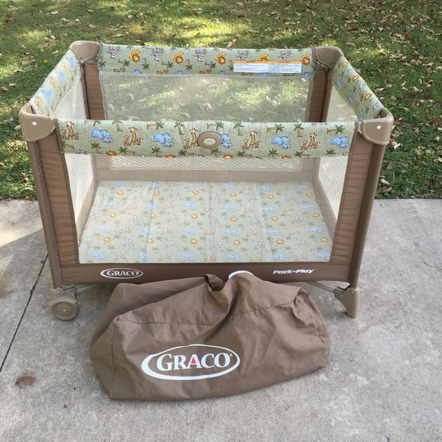 1d095fdfe Graco Pack n Play – like new. Jungle theme – Newborn Baby Girl Clothes &  Clothing